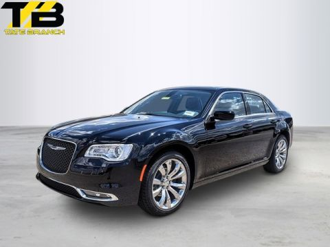 New 2019 CHRYSLER 300 TOURING RWD With Navigation